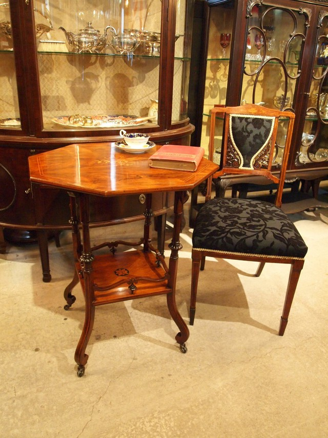 table200503_01.jpg