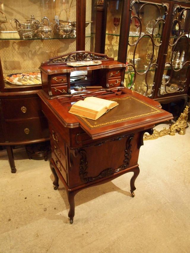 desk200619_01.JPG