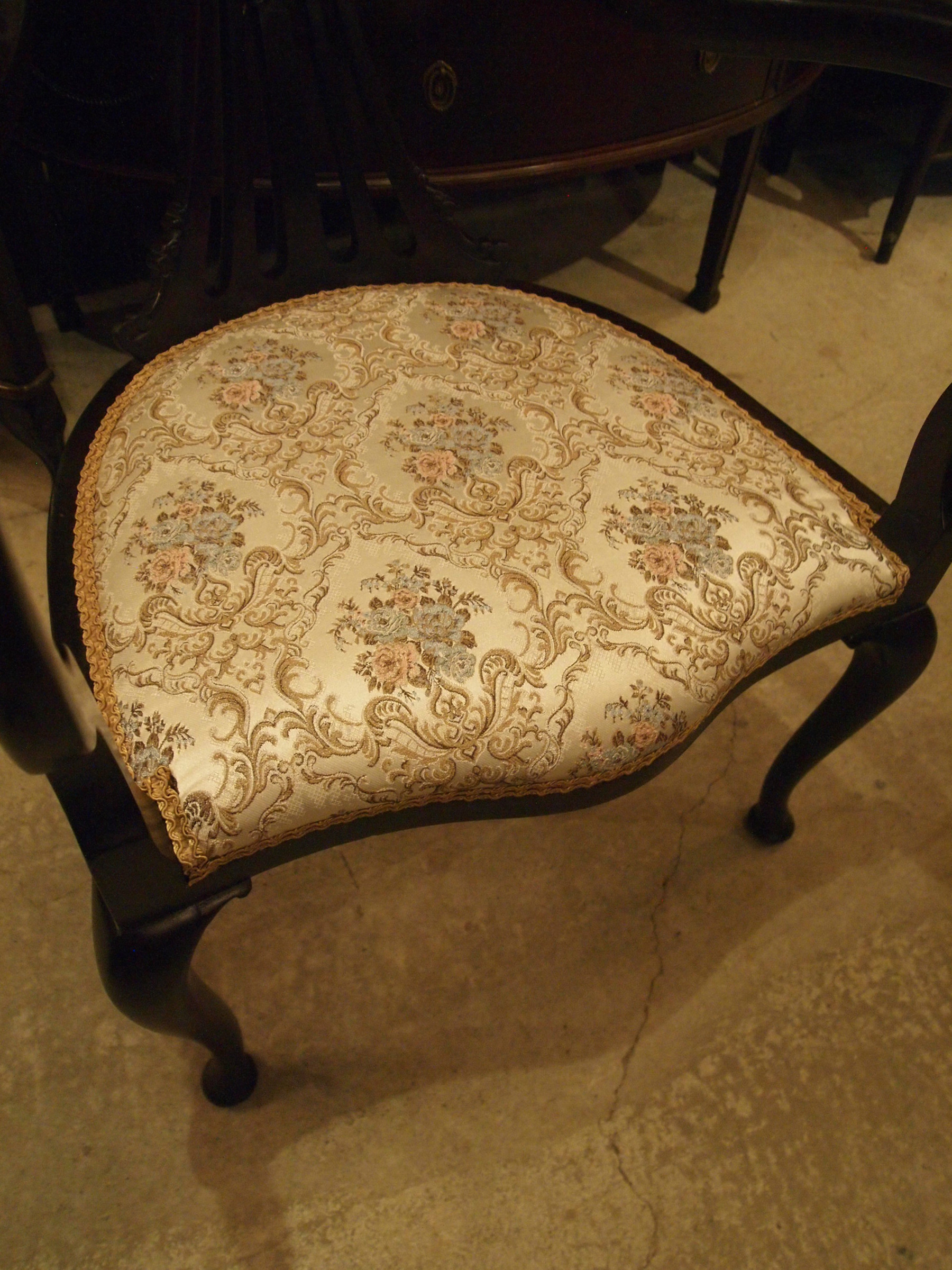 chair200110_08.JPG