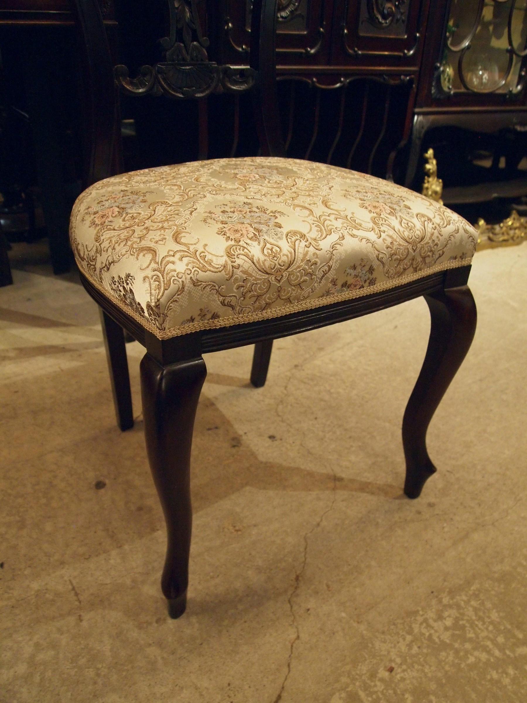 chair201030_10.JPG
