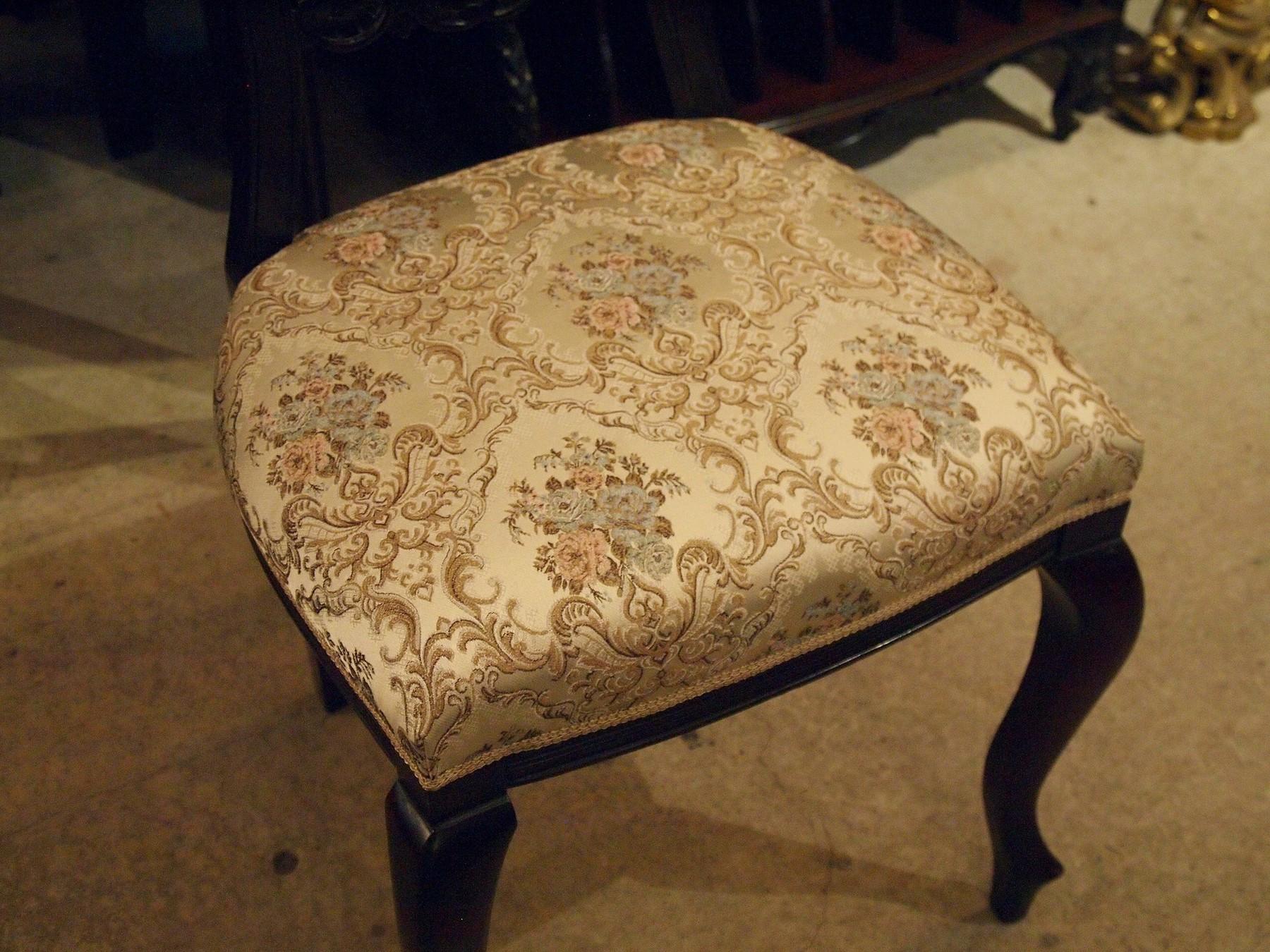 chair201030_11.JPG