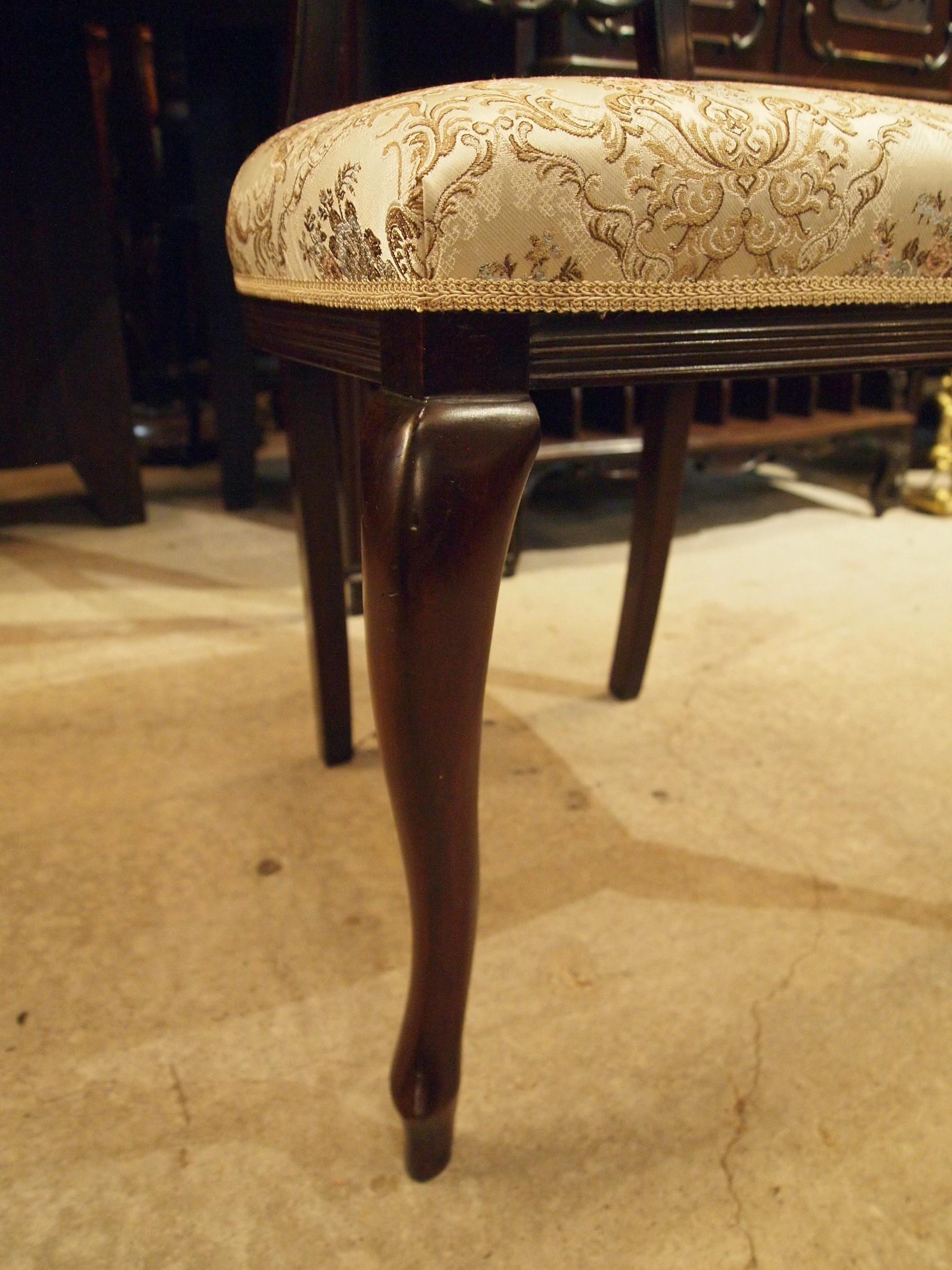 chair201030_12.JPG