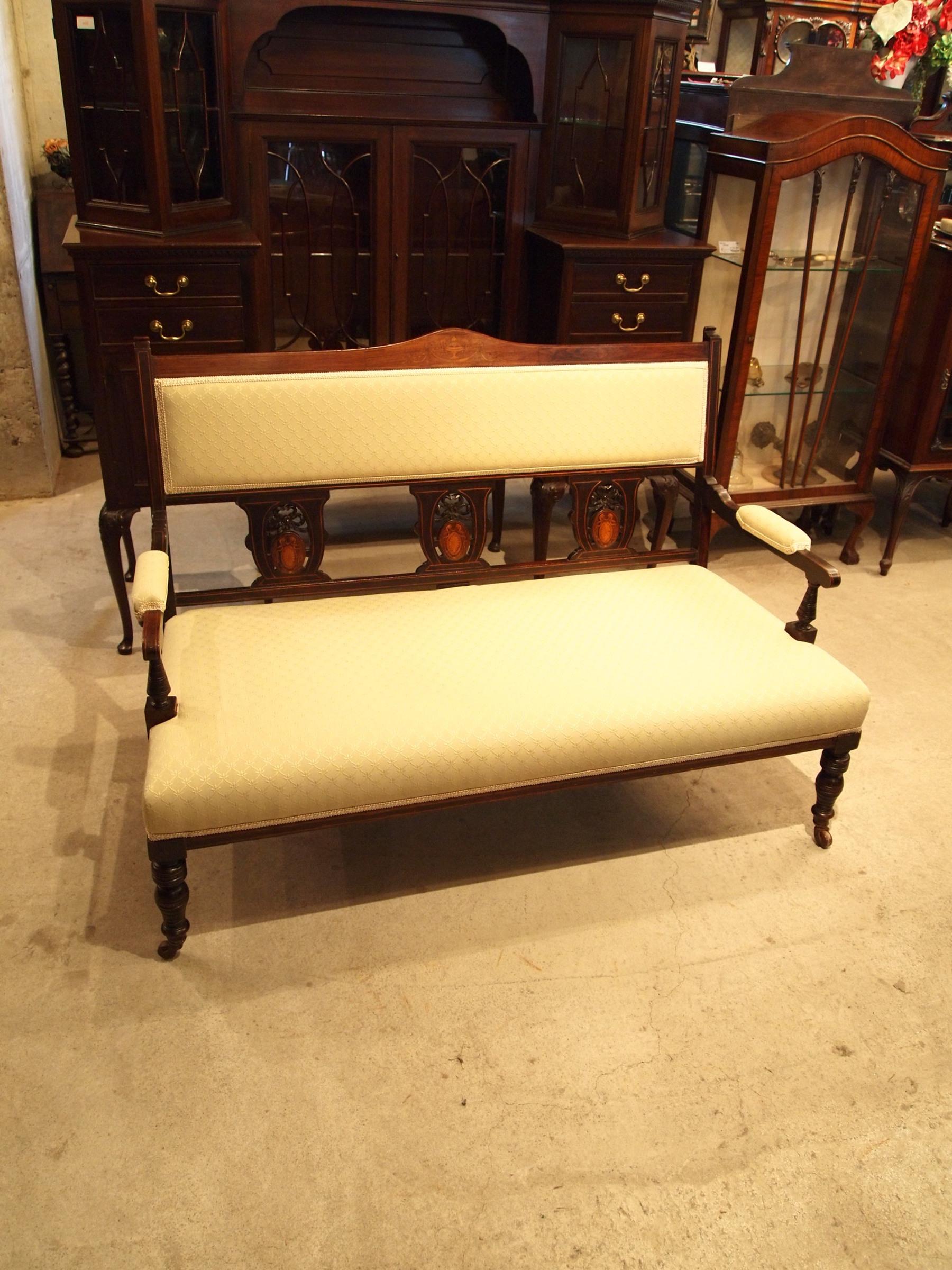 chair270322_01.JPG