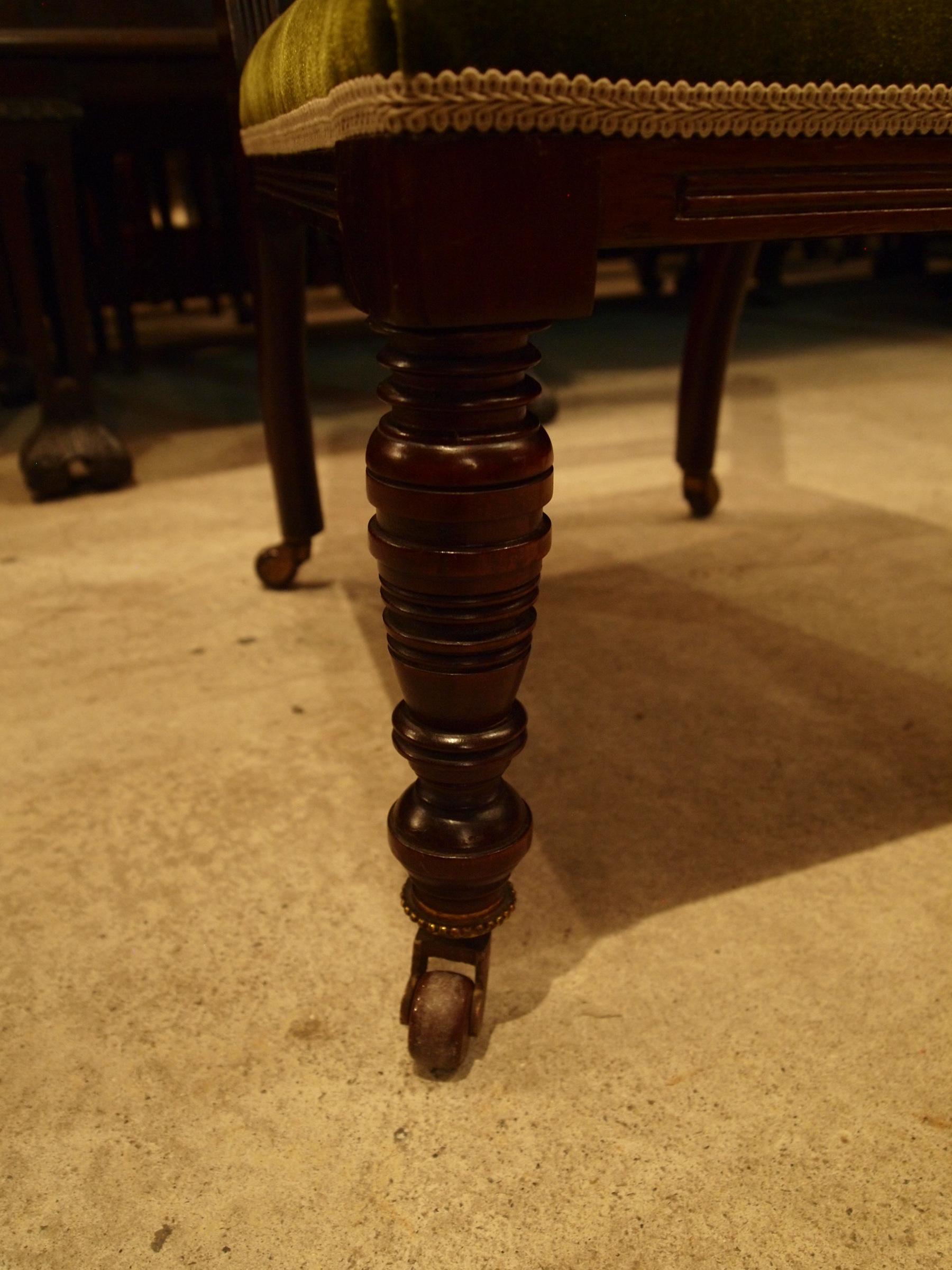 chair291008b_07.JPG