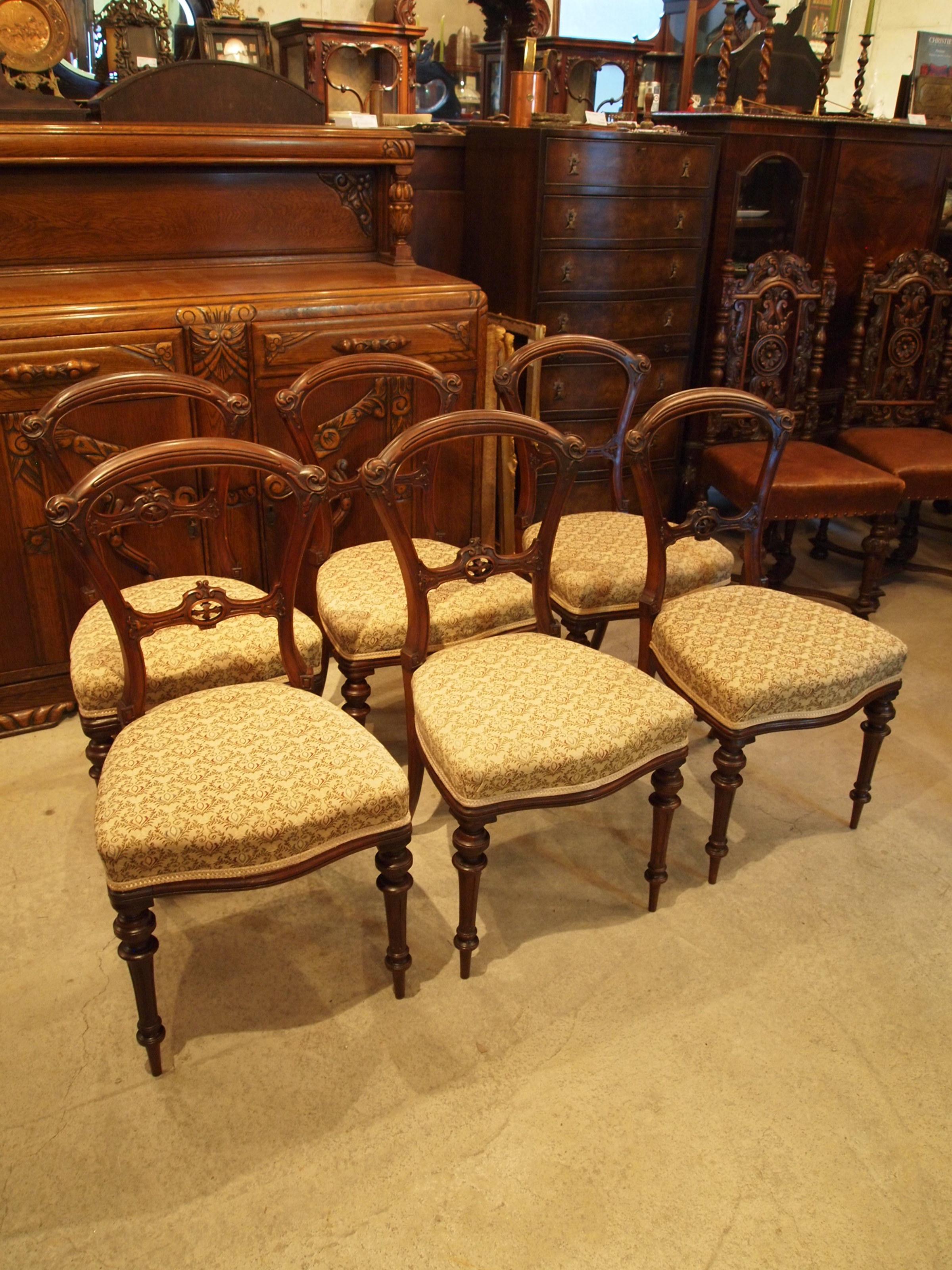 chair300220b_01.JPG