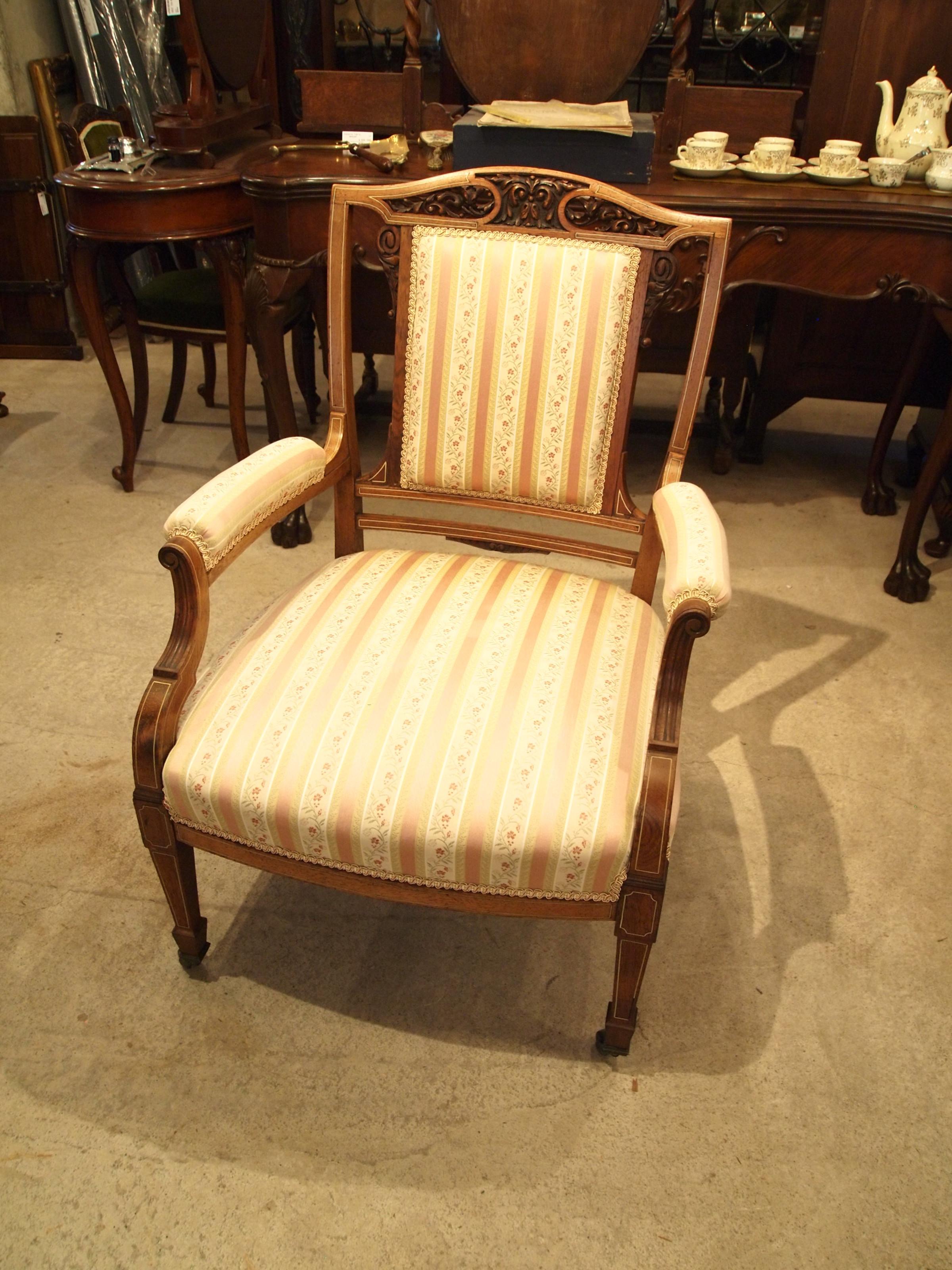 chair300603b_09.JPG
