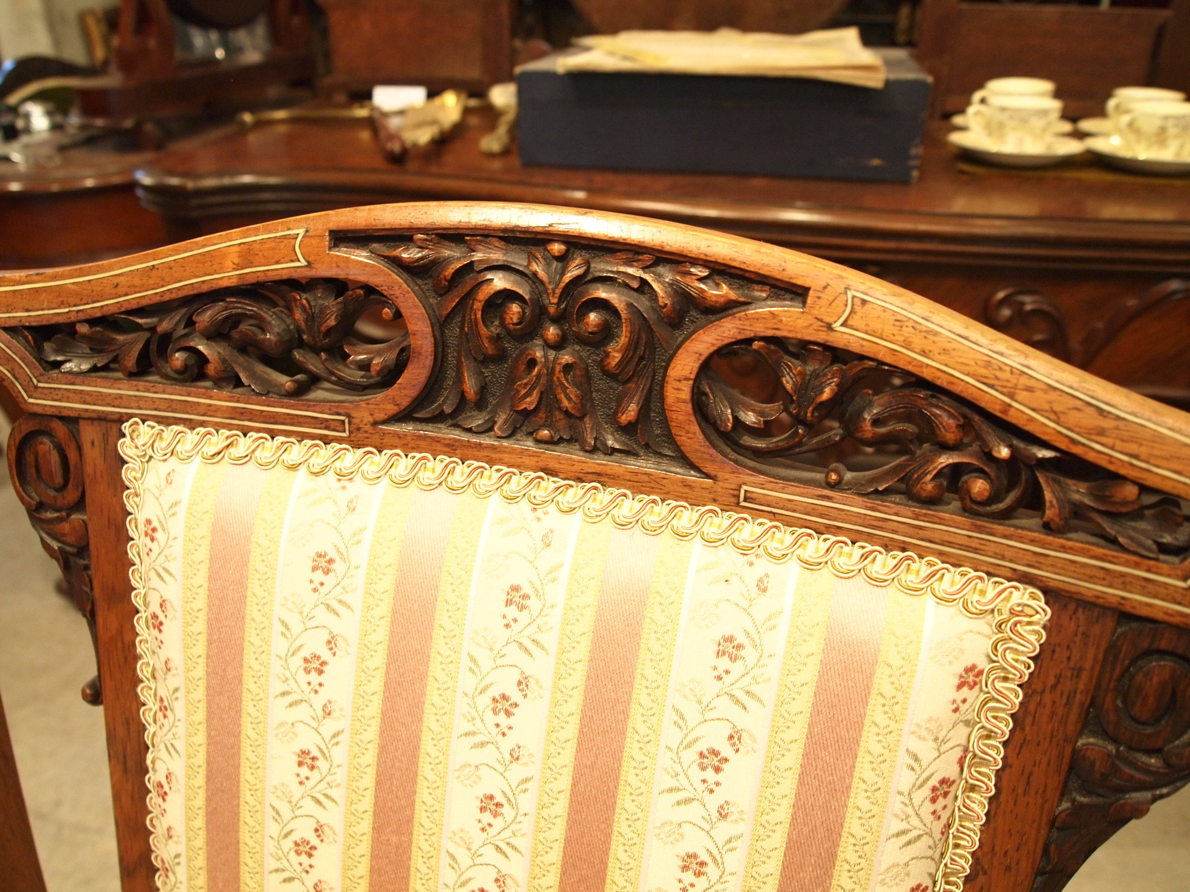 chair300603b_10.JPG