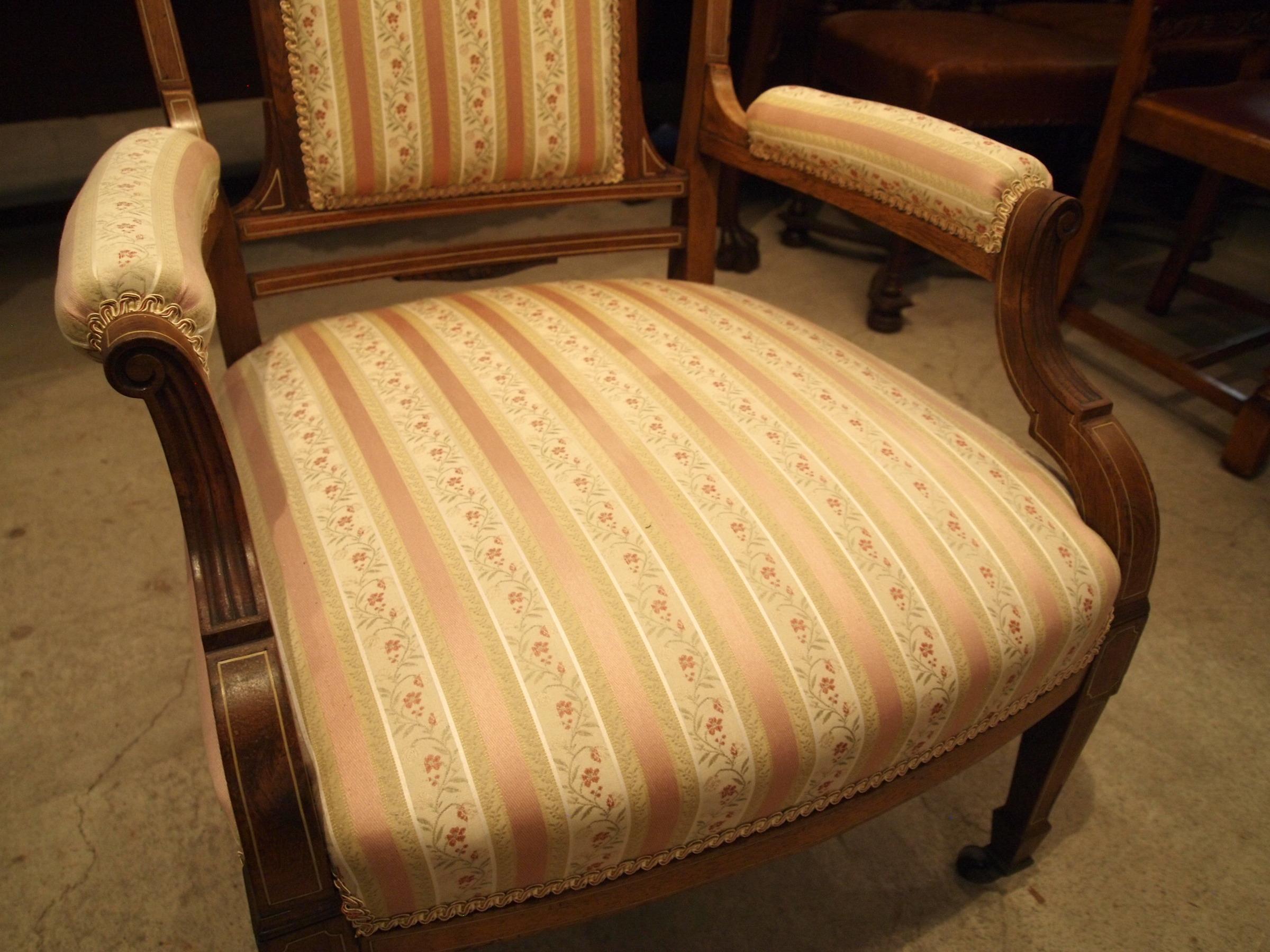 chair300603b_12.JPG