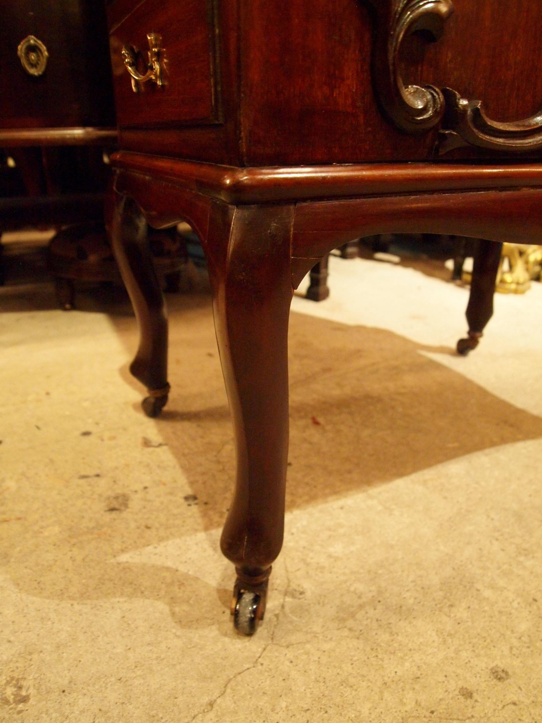 desk200619_19.JPG