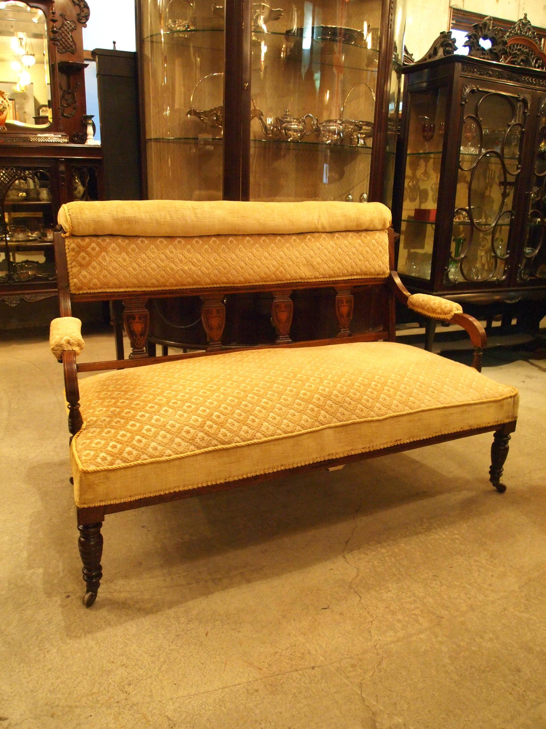 sofa200214a_01.JPG