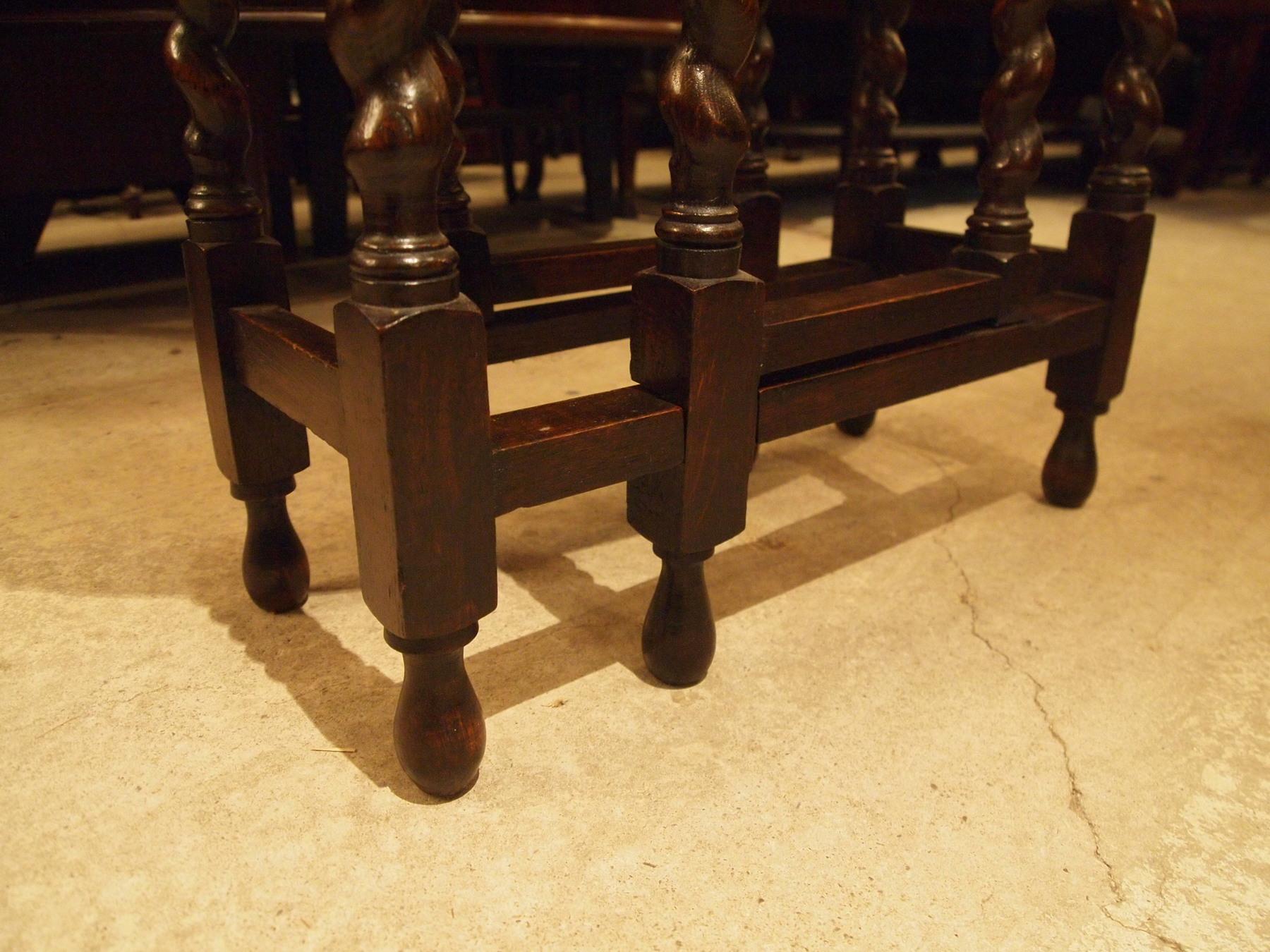 table200112a_08.JPG