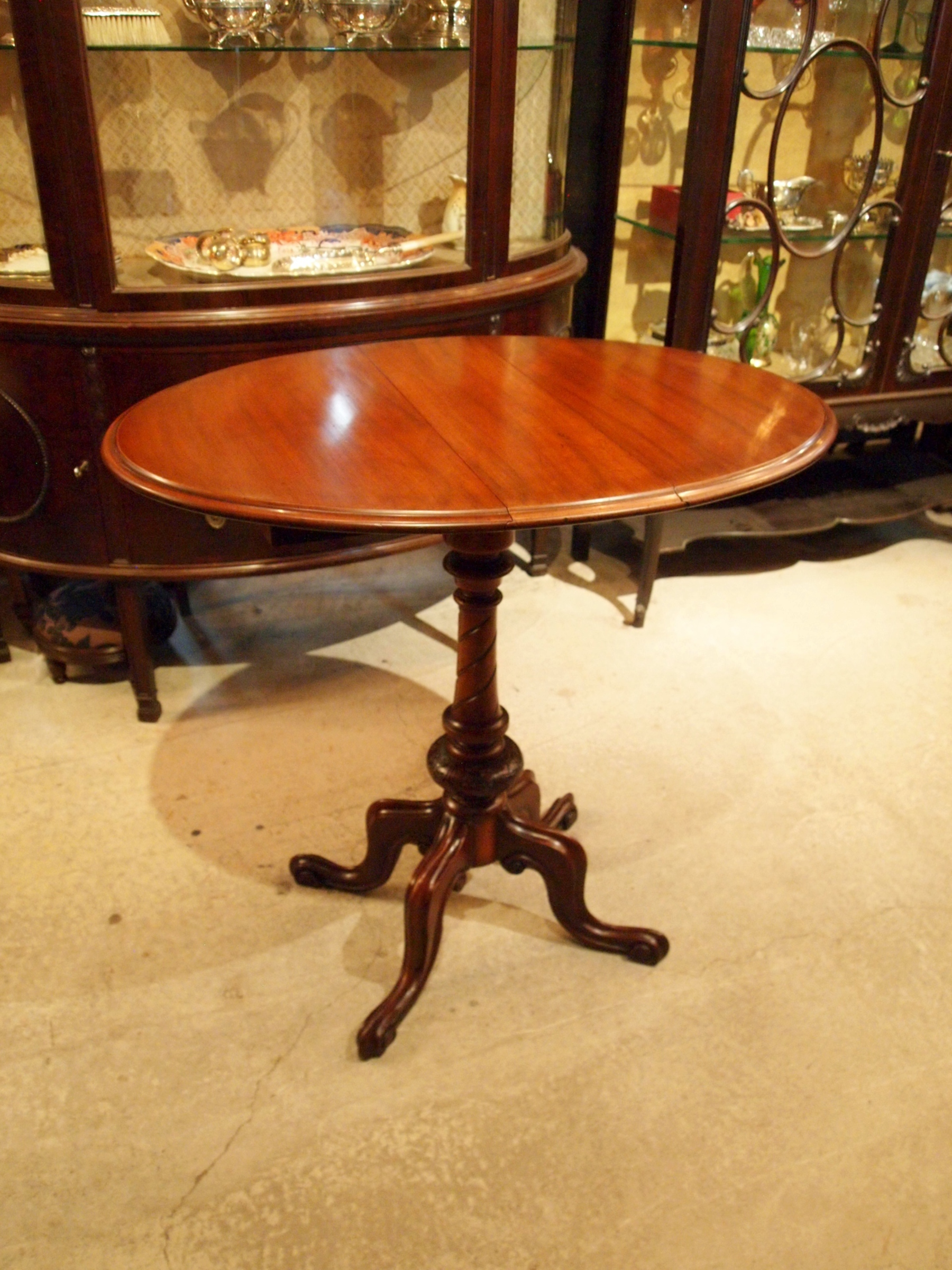 table200529_02.JPG
