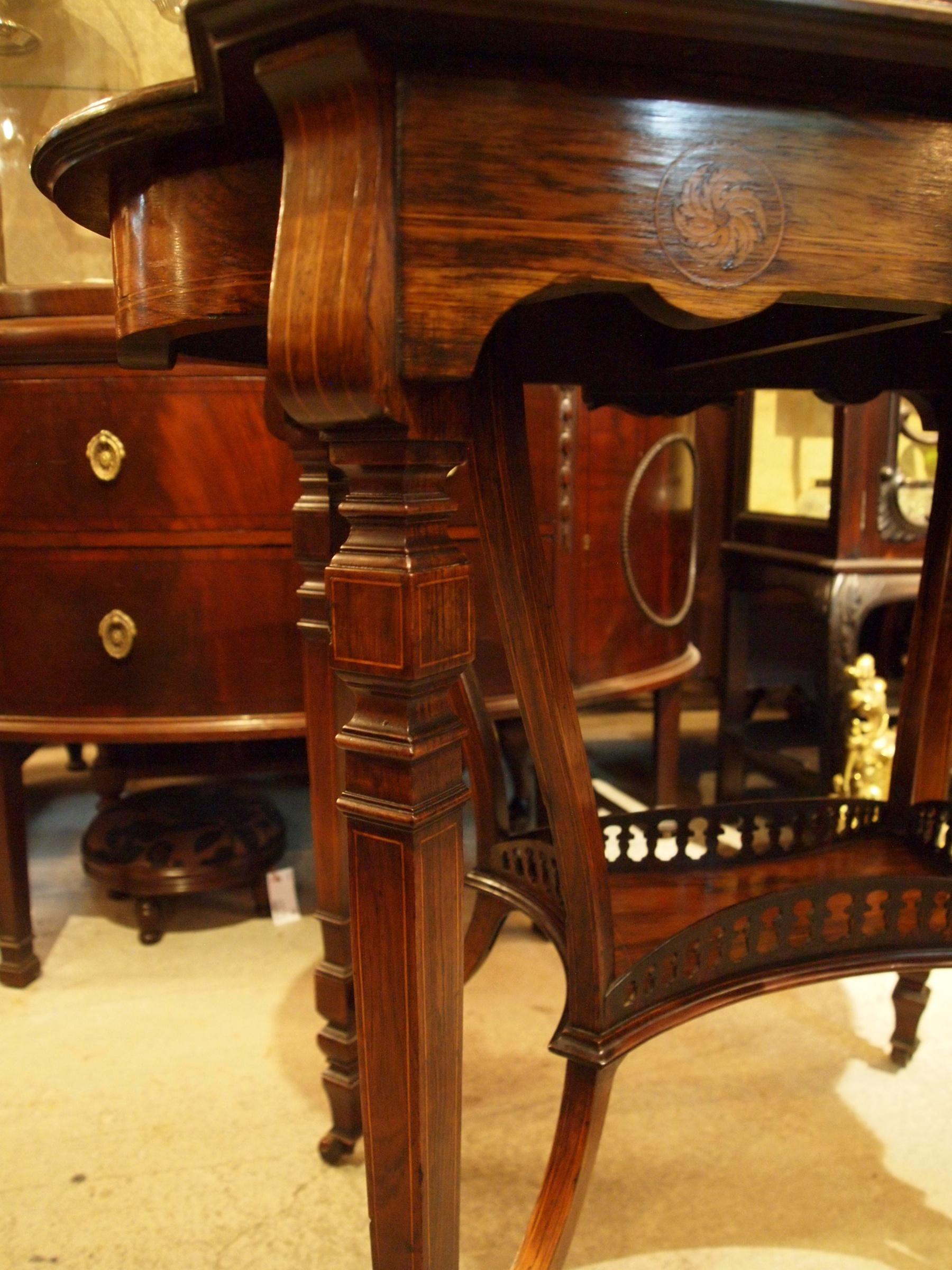 table200628_14.JPG