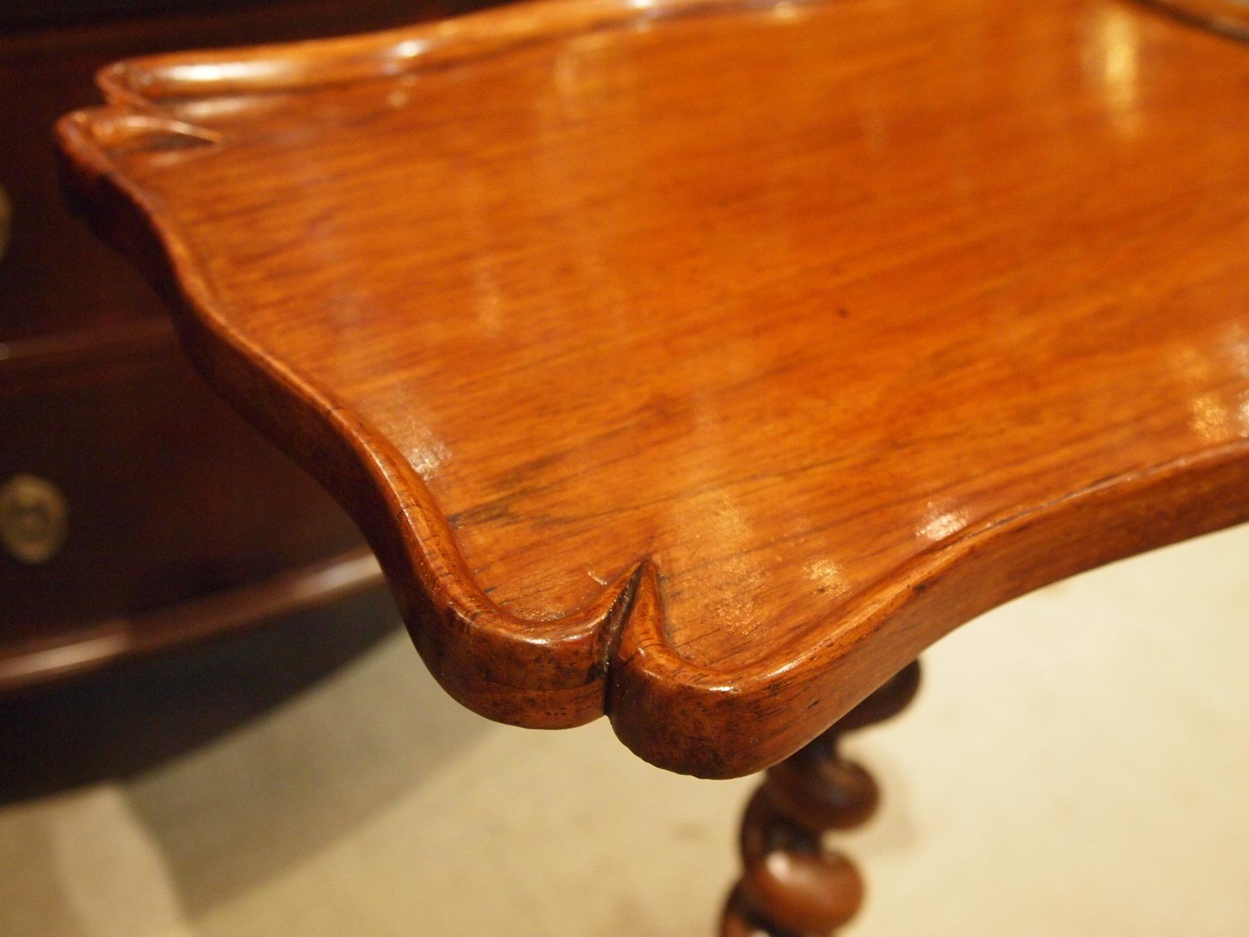 table200904b_04.JPG